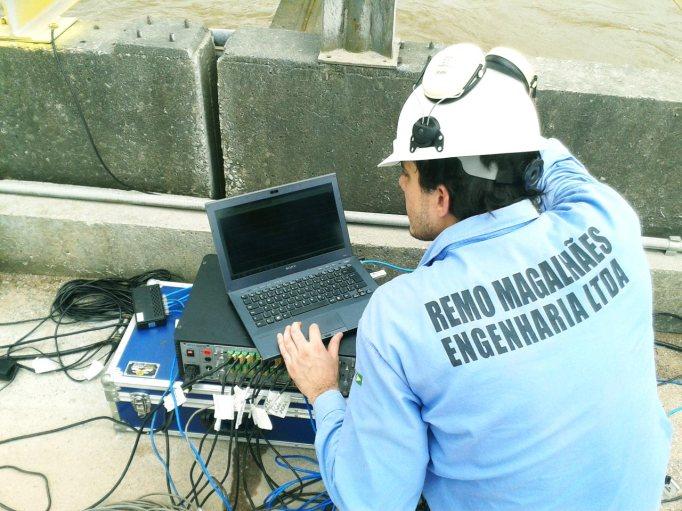Monitoração da prova de carga dinâmica da ponte de acesso ao Terminal Portuário de Outeiro da Companhia Docas do Pará - CDP.