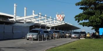 Construção da cobertura principal das obras de expansão do terminal de passeiros