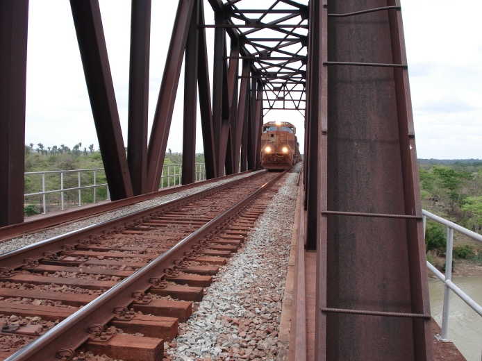 Ponte Ferroviária sobre o Rio Mearim