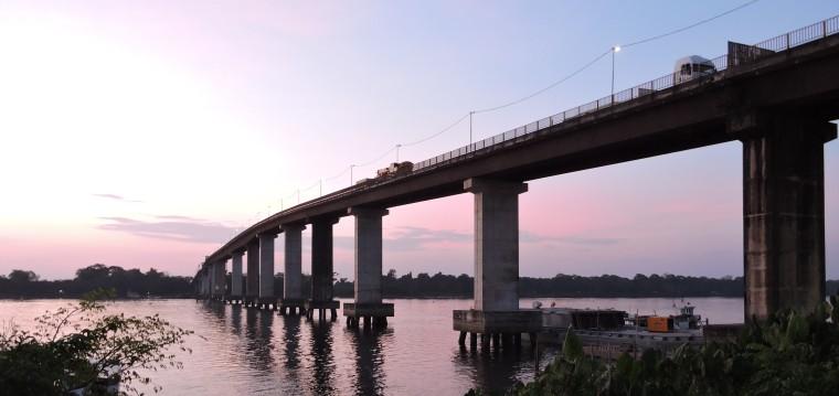 Ponte sobre o Rio Moju