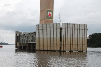 paramentos verticais do sistema de defensa dos pilares
