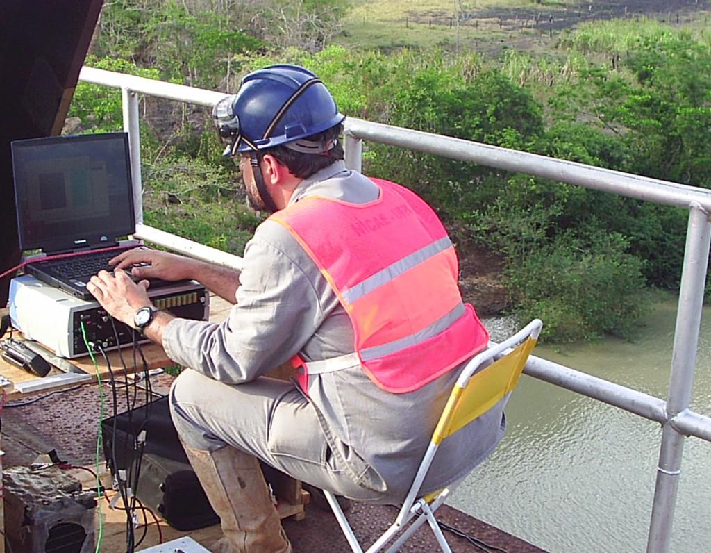 ensaio dinâmico da ponte sobre o Rio Mearim