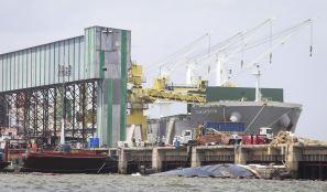 http://portalprincesa.com/empresa-se-defende-de-naufragio-no-porto-de-vila-do-conde