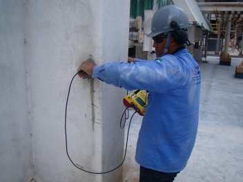 Estimativa de propriedades do concreto com aparelho de ultrassom