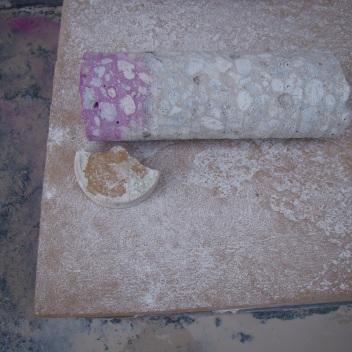 Testemunho de concreto após teste de carbonatação