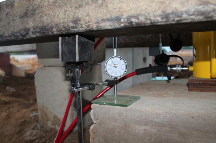 Relógio comparador para medida dos recalquers
