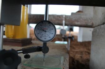 deflectômetro para medida de deslocamentos