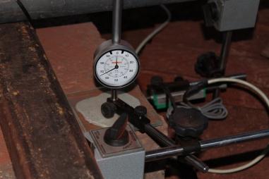 medição do deslocamento horizontal de uma estaca com transdutor de deslocamento