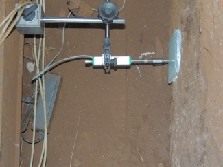 medição de deslocamento horizontal do apoio de uma ponte ferroviária