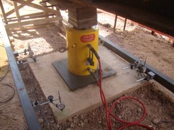 medição de recalque com deflectômetro mecânico e transdutor de deslocamentos