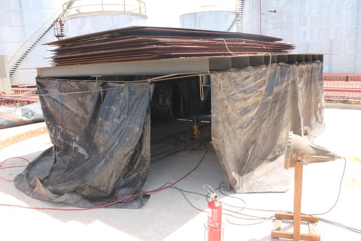 Plafaforma cargueira usada como sistema de reação