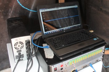 Sistema de aquisição de dados conectado à célula de carega