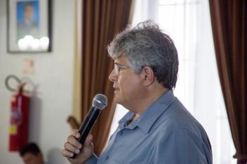 Eng. Remo Magalhães de Souza, M.Sc., Ph.D, durante a palestra.
