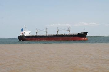Navio Graneleiro no Rio Tapajós
