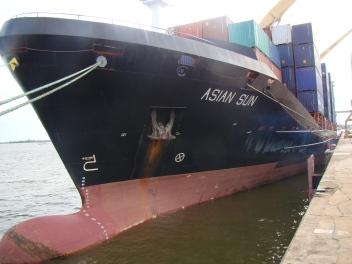 Porta Containers no Porto de Santarém